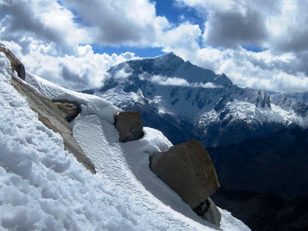 Paccharaju (5744m)