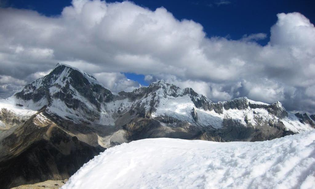 Ranrapalca and its long western ridge, with Ocshapalca and Janyaraju, from Urus Este