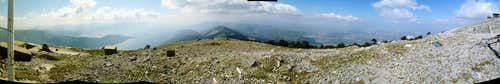 Panorama from very close to the peak