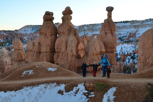 Bukasov\'s family hiking Queen Victoria trail in Bryce Canyon, November 2011