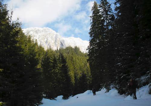 Hard wall aproach through deep snow