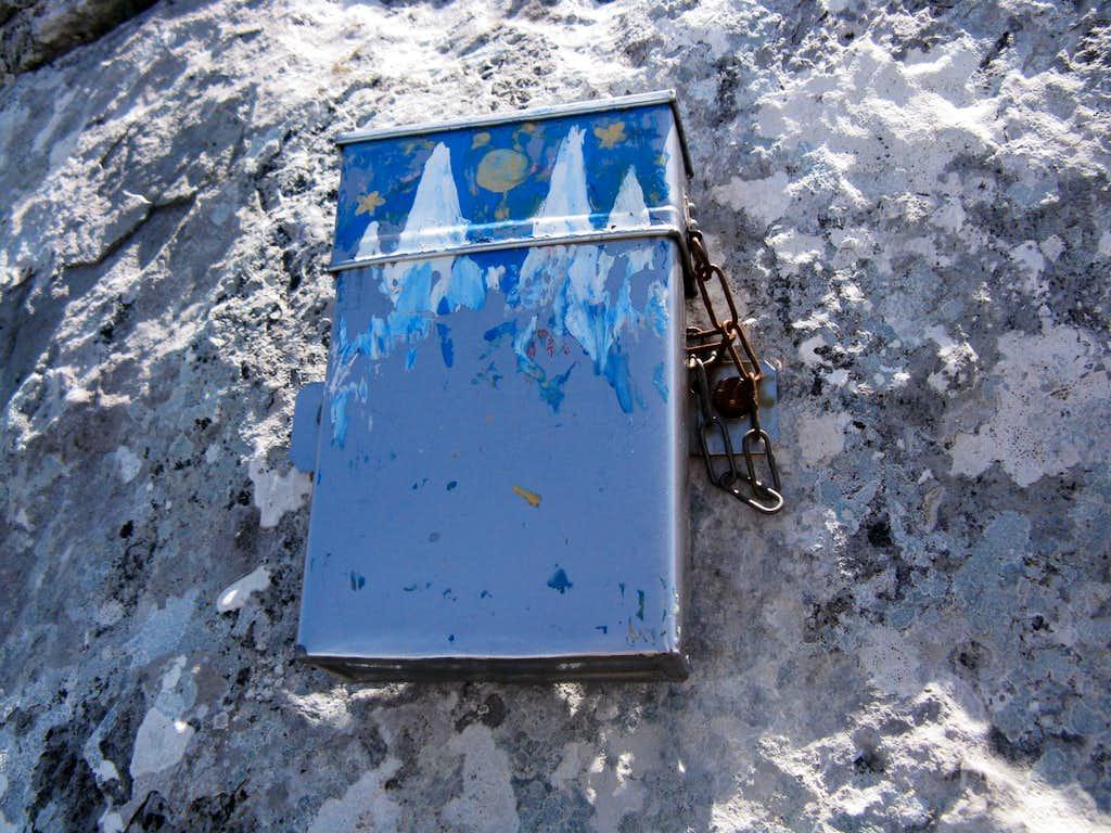 A summit box on Rosenlauistock