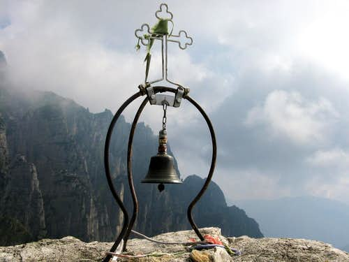 A ring bell on Campanile di Val Fontana d'Oro
