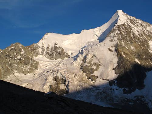 Wellenkuppe (3903m) and Obergabelhorn (4063m)