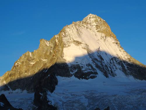 Dent Blanche (4357m) early in the morning