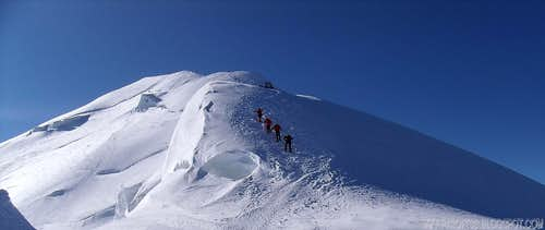 Cornice on Bosses Ridge - Mont Blanc