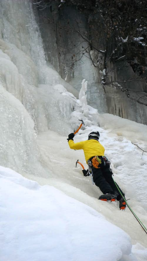 Ice Climbing near Les Contamines