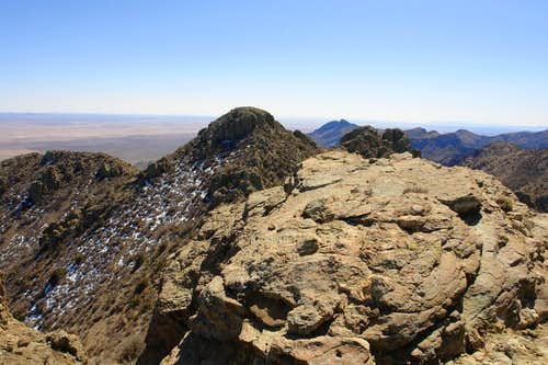 West sub-summit of the North Highpoint, view south