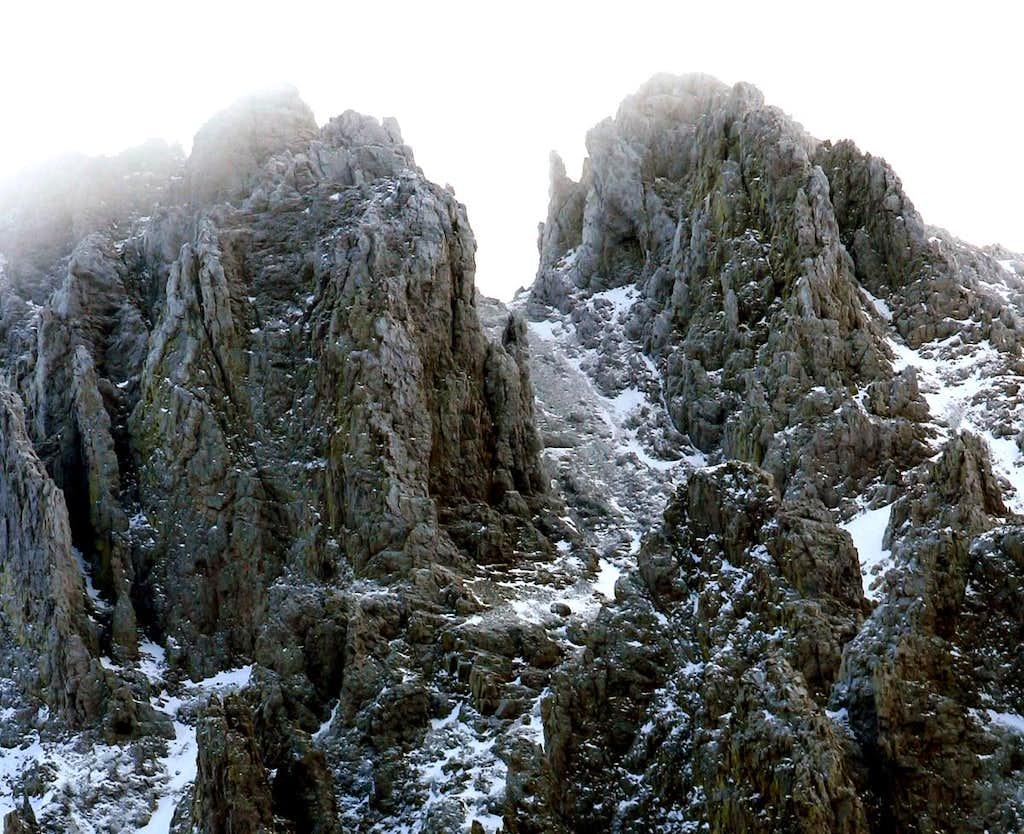 Nokhu Crags Close Up