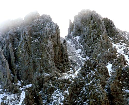 Nokhu Crags Close Up