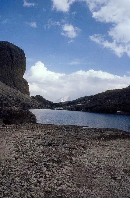 antermoia lake, in background...