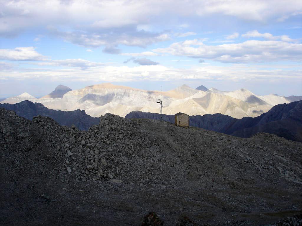 Antenna and Hut on first summit
