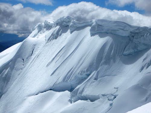 Dangerous cornices on Tocllaraju