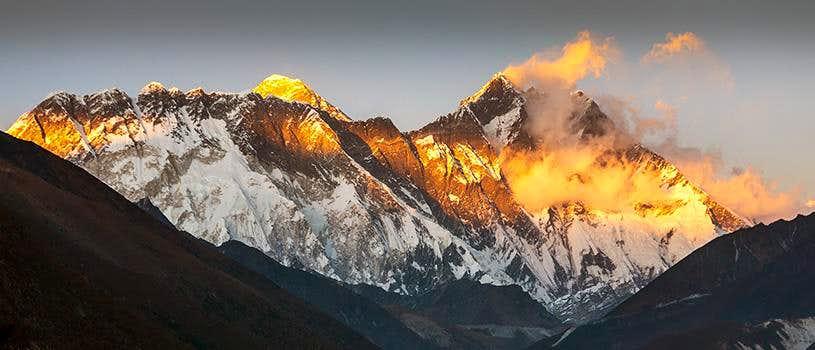 Nuptse Lhotse wall