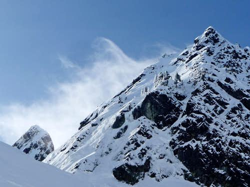 Whisping Cloud on Chair Peak