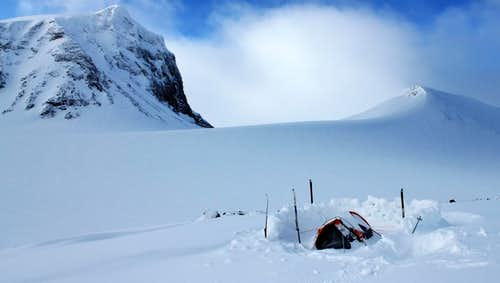 Camping beneath Spijkka (1976m/6483ft))