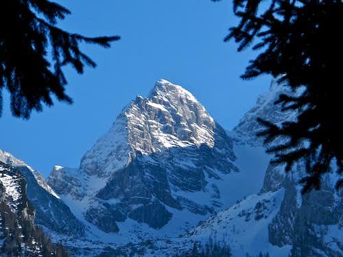 Framed close-up upon Blaueisspitze (2481m)