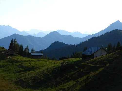 Pian dei Buoi meadows in late afternoon