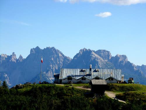 Ciareido Hut at Pian dei Buoi and M. Cridola in the background