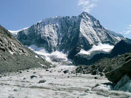 Traverse Pigne d'Arolla (3790m) and Mont-Blanc de Cheillon (3870m)