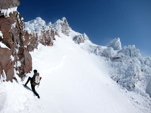 Traversing on the E side of Sargent\'s Ridge