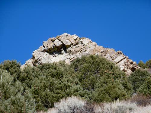 Rock formation en route to the north ridge of Mt. Como