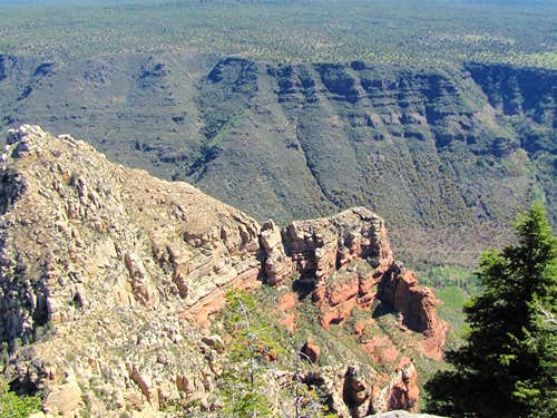 Oak Creek Canyon & Point 6446 ft