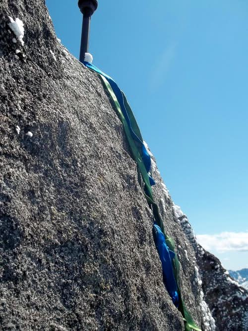 Slings were useful on the final summit rock