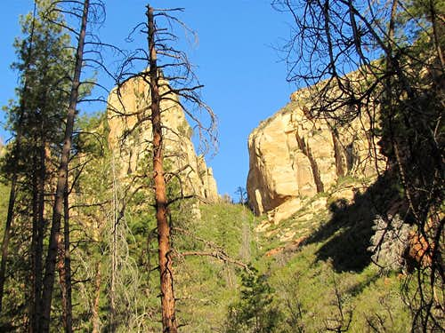 Sterling Pass/Vultee Arch Trail