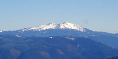 Diamond Peak from Bohemia...