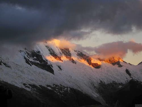 Alpenglow on Chopicalqui