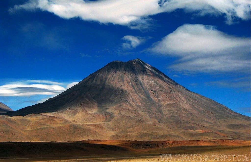 Chilliques volcano