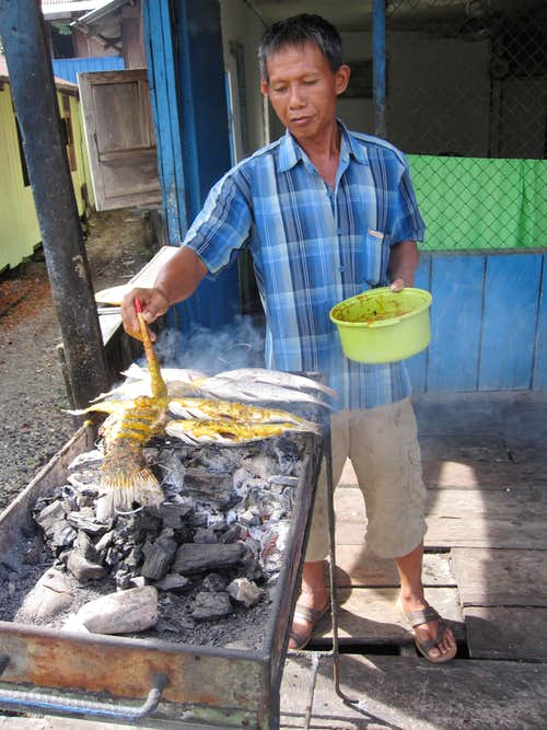 Ikan bilis: Delicious dried roasted fish cooked on demand