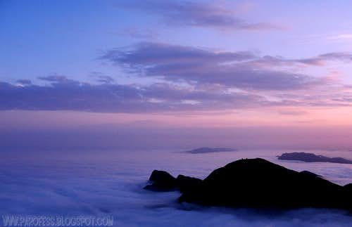 Ciririca Peak and a sea of clouds...