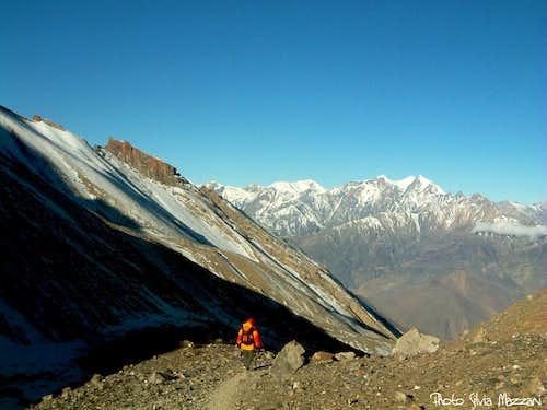 Annapurna trail - Starting the descent from Thorung Là