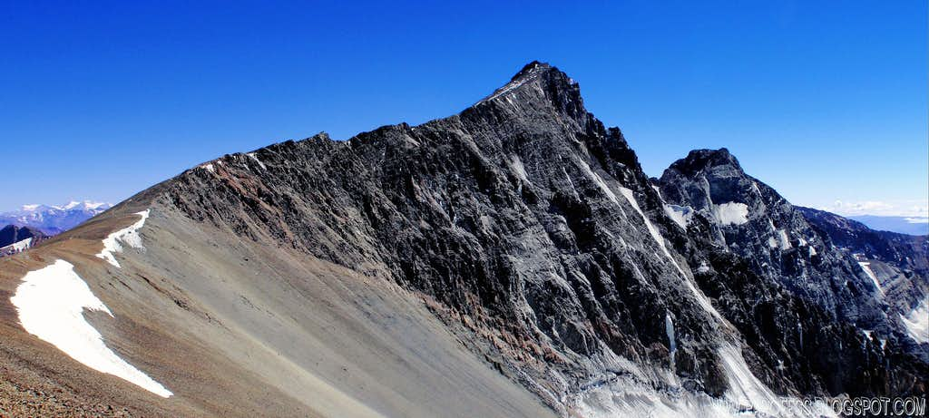 Cerro Vallecitos - 5.435m