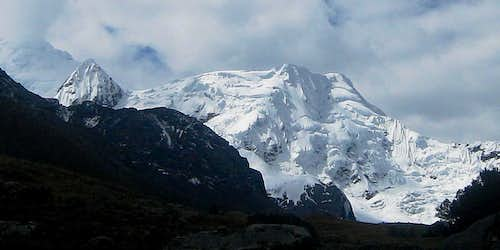 Nevado Rurec (5700m) south face