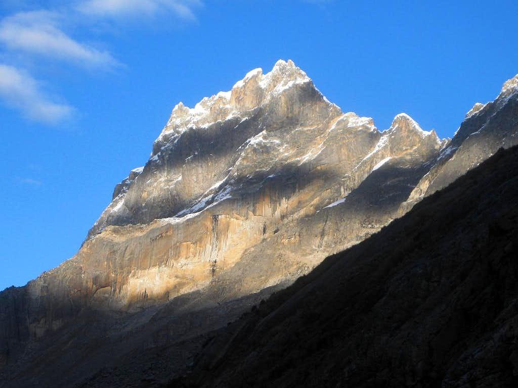 Nevado Shacsha (5703m) from the NE