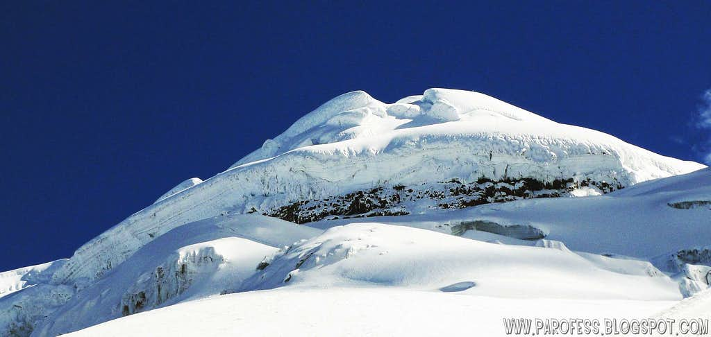 Cotopaxi summit dome panorama