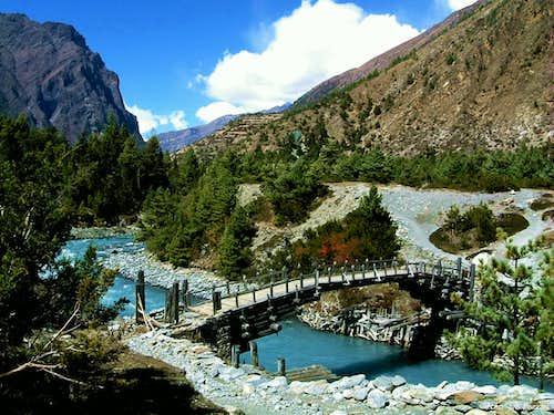 Annapurna trail - A wooden bridge over Marsyangdi river