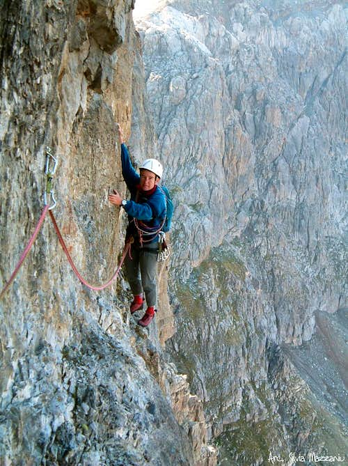 """Gas"" on Ponant Neuf sixth pitch\'s traverse"