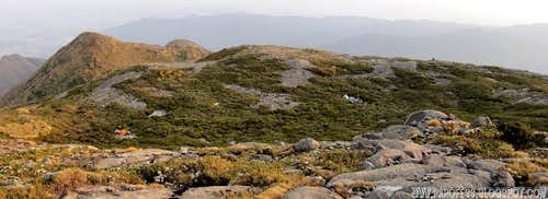 Plateau just below Pedra da Mina summit