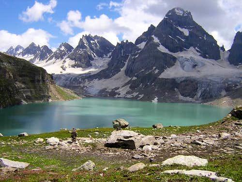 Chitta Katha Lake - Hari Parbat