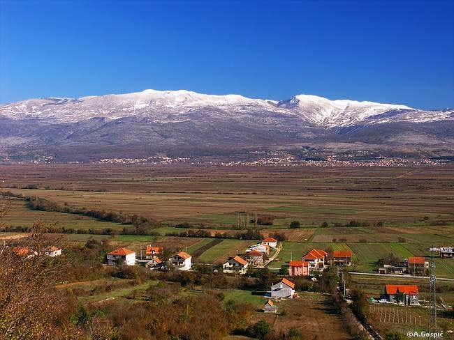 Kamesnica (1855m) is SE most...