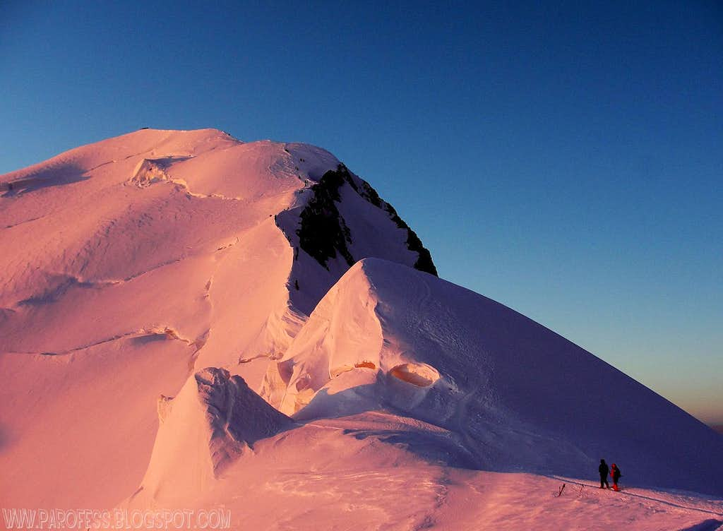 Alpenglow: Bosses Ridge in Mont Blanc