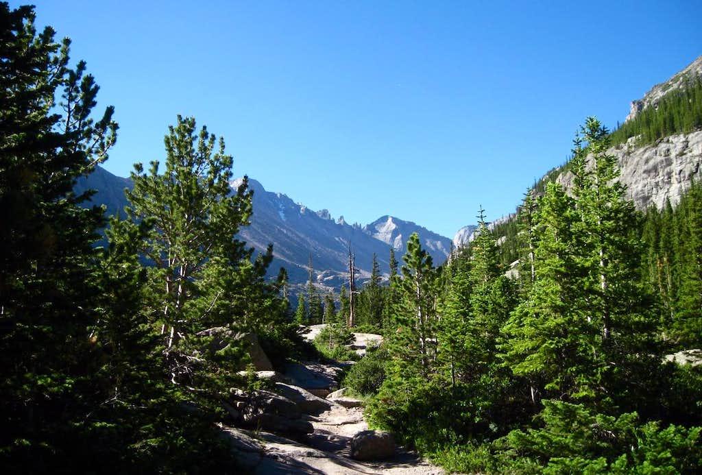 Trail to Mills Lake