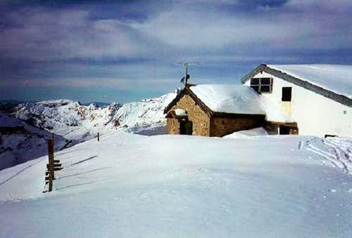 Gramusset Hut near Pointe...