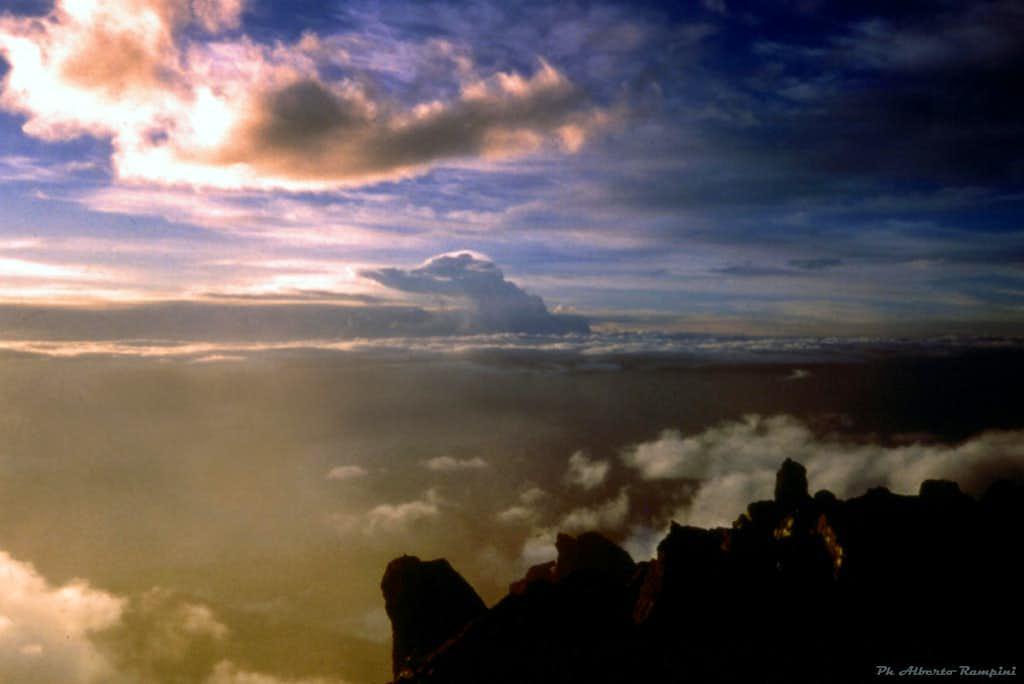 Last sun-rays on Punta Nelion summit