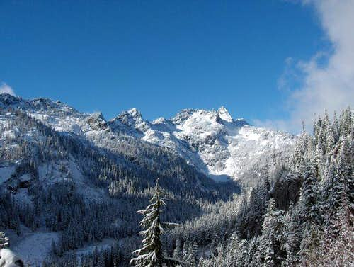 View up the Alpental valley...
