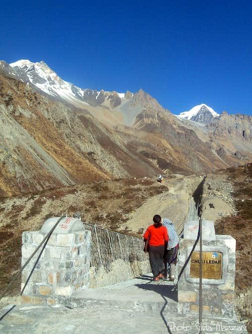Annapurna trail - Hanging bridge near Ledar, Marsyangdi Valley
